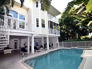 Village Area near beach Rental Home with Pool, Captiva Island
