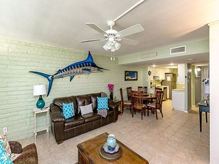 Pearl Marlin: Shared Pool, Close to the Beach, Beach Walkover, Boat Parking, Port Aransas