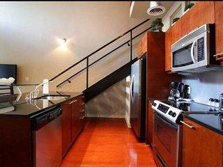 Two Bedroom Loft in Atlantic Station, Atlanta