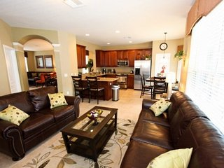 Luxury 6 Bedroom Home with Pool at Windsor Hills Resort, Kissimmee