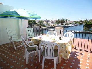 Apart-rent (0169) Apartamento soleado al canal, Empuriabrava