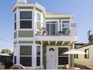 Large Home-Steps To The Beach-Short Walk to Shopping, Dining, Pier, & More!