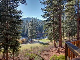Dog-friendly alpine home, w/ private hot tub, shared  pool & tennis!, Truckee