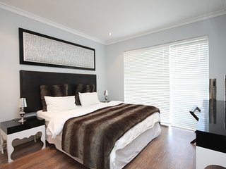 Oceana resort garden unit, Camps Bay