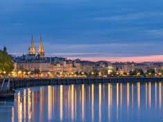 La splendida città di Bordeaux.