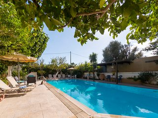 Jiannis Villa With Pool