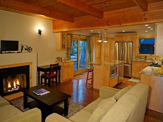 5th Ave - West Shore Cozy Cabin w/ Hot Tub - Sleeps 8 - Dog OK Too!