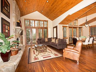 Bottcher - Luxury Gray's Crossing 4 BR, Truckee