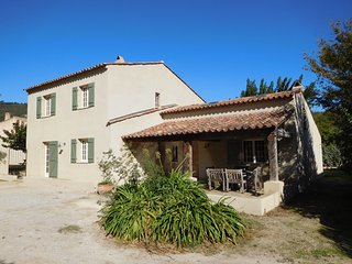 Spacious 4 bedroomed, 4 bathroomed villa, large heated pool and fabulous views, Plan de la Tour