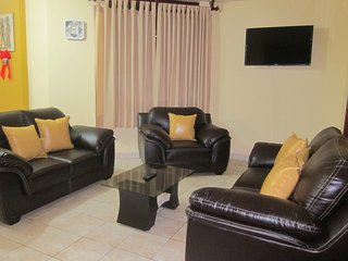 Comfortable 3 BR Apartment, Huanchaco