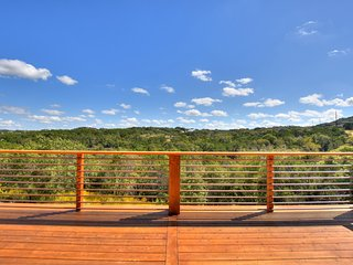 Hill Country Modern - Tree Top  Escape Minutes to Zilker Park, Austin