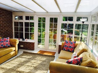 Large Oxford House Sleeps 8