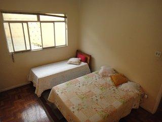 Quarto Para 3 Pessoas - Cama de Casal + Cama de solteiro, Belo Horizonte