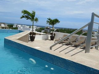 Cosy Luxury Suite metres from the Beach! - Coral Condos, Playa del Carmen