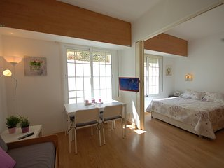 - COMFORTABLE APARTMENT NEAR BEACH
