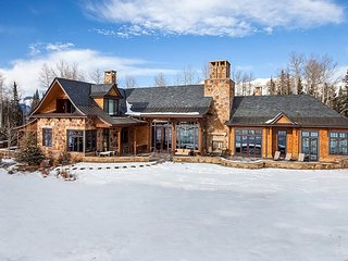 Telluride Sprawling Luxury Ski Chalet with Panoramic Mountain Views