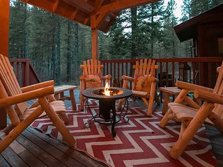 15% OFF MARCH SPECIAL- Merry Cabin, privacy, hot tub, Wi-Fi, Pet friendly