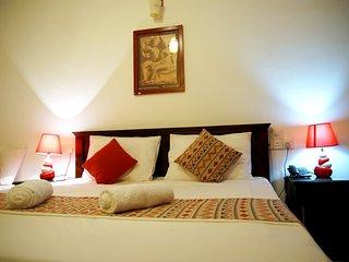 DELUXE TRIPLE ROOM - Moon Hills Hotel