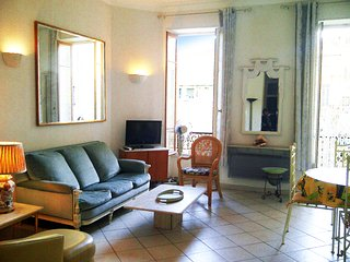 Apartment 2-bedrooms for 2 to 6 people, Vieux Nice, central Nice, Port of Nice