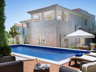 Luxurious Villa Carlotta with Swimming Pool and BBQ