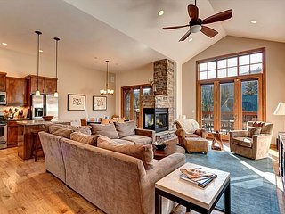 Retreat in Whispering Pines Hot Tub Breckenridge Vacation Rental House