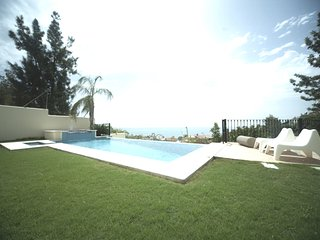 Villa with private pool and views, Malaga