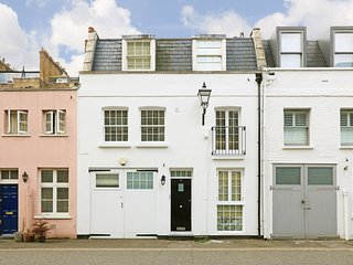 Elegant Mews home perfect for visiting London!