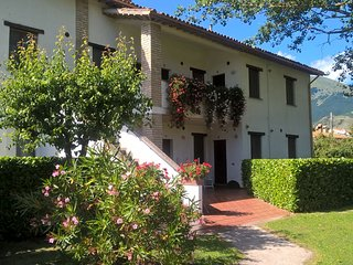 casa vacanze con piscina e parco privato tra le colline di Gubbio, Sigillo