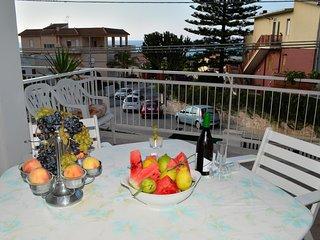 AL038 Villa 8 posti letto 3 bagni climatizzata parcheggio con 2 ampie verande