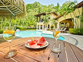Tropical Luxury Home at Los Sueños, Best Sport fishing and Great for