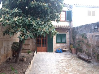 Cas Padrí. Typical mallorcan family home with all modern amenities, Muro
