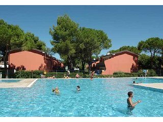 Resort near Beach and Thermae - Pools and Big Gardens, Bibione