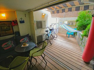✌ BEACHFRONT FULL SUITE + 2 FREE BICYCLES, Tel Aviv