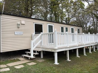8 berth Static caravan with private decking at Thorness Bay Nr Cowes
