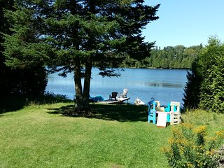 scenic lakefront cottage in Wentworth North, Wentworth Nord