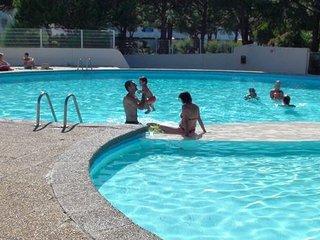 LOCATION STUDIO avec WiFi / 22 m2 / TERRASSE de 8 M2 / piscine / PORT CAMARGUE