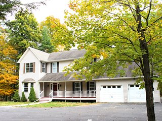 Breathtaking Lakefront Estate 5+ Bedrooms,2.5bath, East Stroudsburg