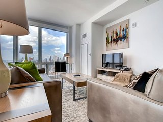 Furnished 2-Bedroom Apartment at 11th Ave & W 42nd St New York, Nova York