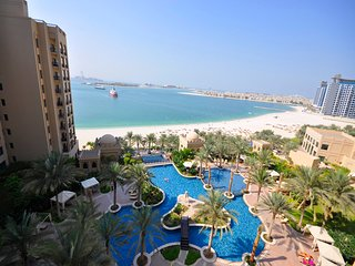 Full SeaView Fairmont - The Palm 2 Bed +Mrm Apt, Dubai