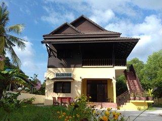 Fehi Dhuniye - traditional wooden room 3