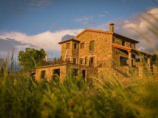 Casas rurales Gredos con Piscina Ideal grupos de familias con ninos y/o amigos.