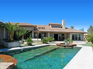 New Luxury Modern Estate, Amazing Strip Views! Mins to Strip,Convention,Red Rock