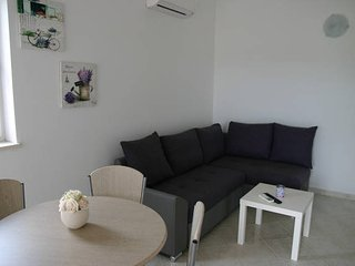 Kristy 10 modern apartment for 6 people, Novalja