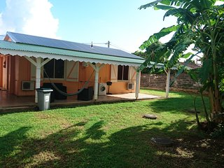 House - 800 m from the beach, Port-Louis