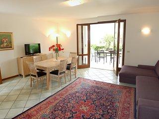 """""""Villa Sophora Holiday"""" - 200 m dal lago con vista incantevole"""