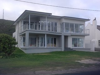 Cape Agulhas - Spacious House On Ocean With Beautiful Ocean Views