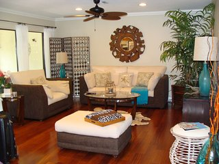 Beautiful Fully Furnished Naples Condo 2bd 2bath,