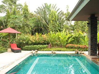 Baan Saun - 3 Bedrooms, sleeps 6 - large pool, 5 mins to beach & golf course