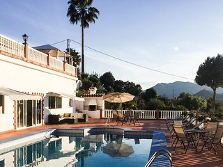 Luxury 1 bed Casita recently refurbished with shared pool/hot tub close to Mijas