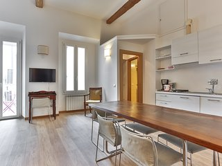 White Corso Balcony 3 bedrooms 3 bathrooms, Florencia